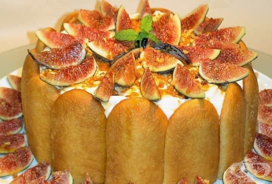 Бишкотена торта със смокини и млечен крем - изображение
