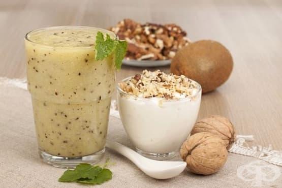 Плодово смути с лешници, орехи, кашу и мед - изображение