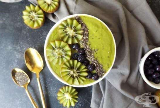 Смути с киви, спанак и семена от чиа - изображение