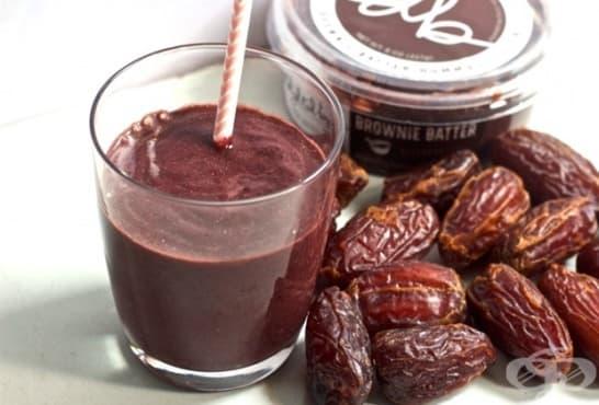 Смути с фурми, рожков и какаово масло - изображение