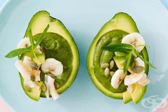 Смути в купичка от авокадо - изображение