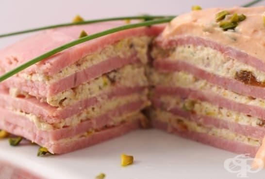 Солена торта от шунка с ядков пълнеж - изображение