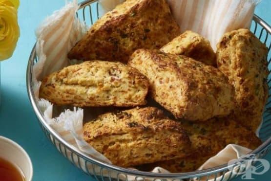 Солени бисквити сконс с шунка и сирене - изображение