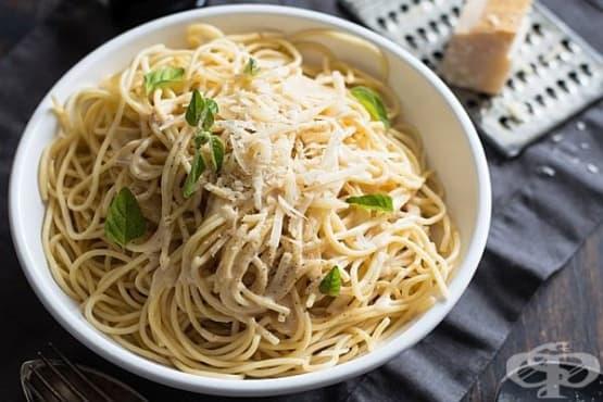 Спагети със сос от печен чесън и маскарпоне - изображение