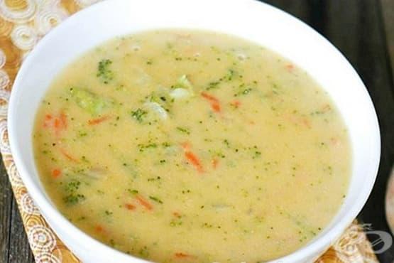 Крем супа от броколи и карфиол с топено сирене - изображение