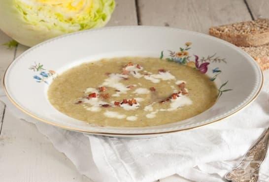 Супа от салата айсберг с праз и бекон - изображение