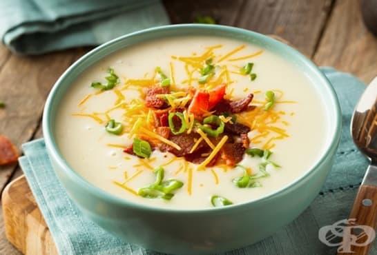 Супа от печени картофи със сметана, крема сирене и бекон - изображение