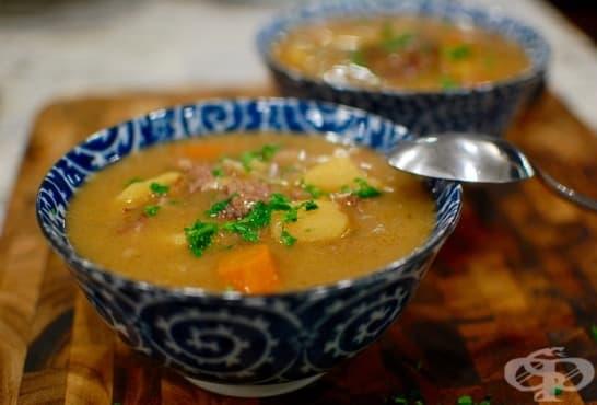 Супа от свински кости и зеленчуци - изображение