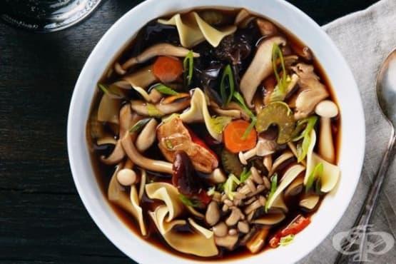 Супа с горски гъби и макарони - изображение