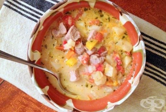 Месна супа със зеленчуци и яйца - изображение