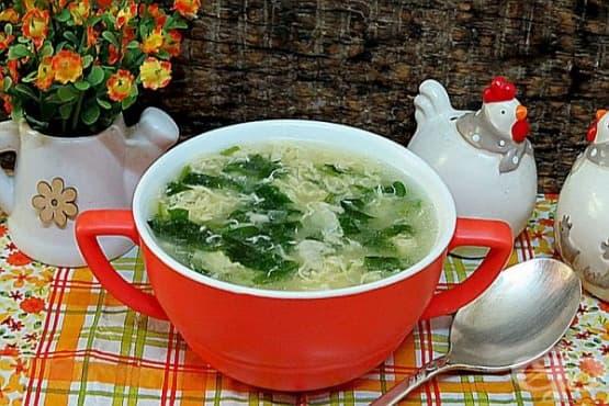 Супа Страчатела със спанак - изображение