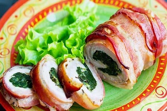 Свински рулца със спанак и бекон - изображение