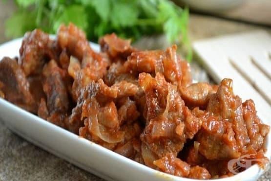 Свинско с домати и лук на фурна - изображение
