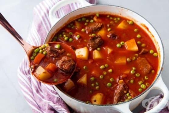 Яхния с телешко месо и грах - изображение