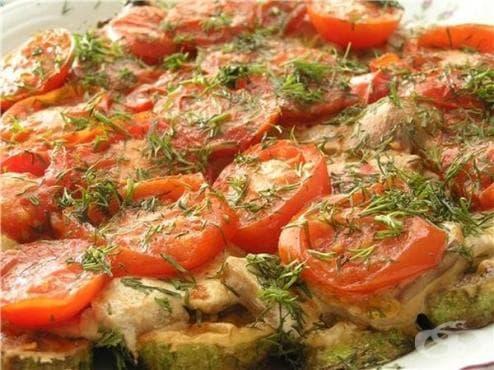 Запечени тиквички с домати и сирене - изображение