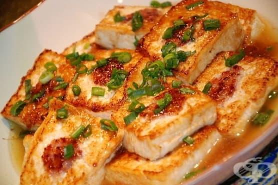 Тофу в соев сос със сусам - изображение