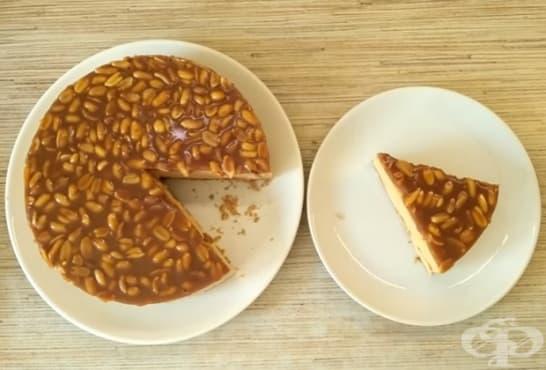 Торта без печене с карамел и фъстъци - изображение