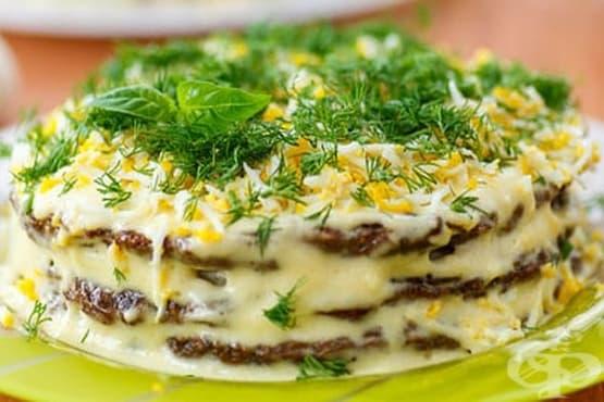 Торта от тиквички с гъби и лук - изображение