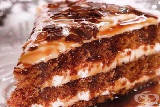 Торта с млечен крем и карамелизирани орехи - изображение