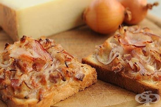 Лучени тостери с кашкавал и бекон - изображение