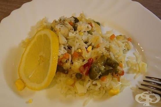 Печено филе от треска с ориз и зеленчуци - изображение