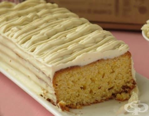 Царевичен кекс с крем от сирене - изображение