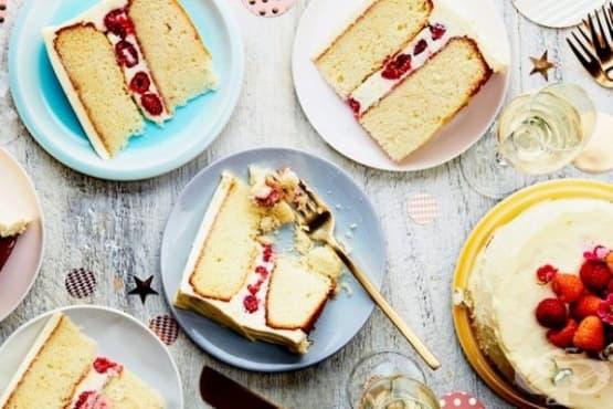 Ванилова торта с крема сирене и малини - изображение