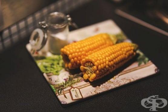 Варена царевица в прясно мляко и масло - изображение