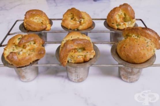 Въздушни хлебчета с козе сирене и билки - изображение