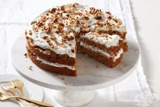 Веган морковена торта с кокосов крем - изображение