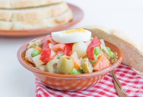 Вегетарианска руска салата - изображение