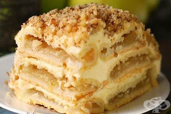 Ябълкова торта с млечен крем и орехи - изображение