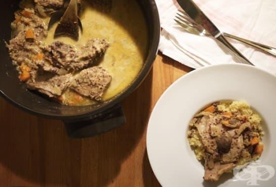 Заешко месо с коняк и горчица - изображение