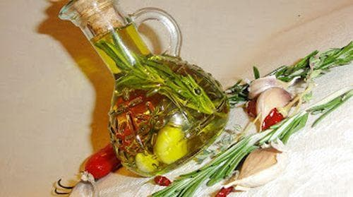 Зехтин с аромат на билки - изображение