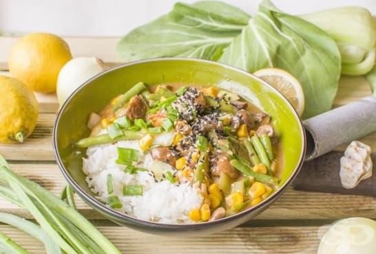 Зеленчуци с ориз, гъби, сусам и лимонов сос - изображение