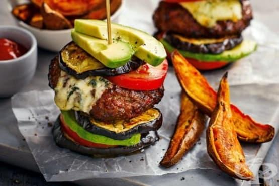 Зеленчуков хамбургер с патладжан и сладки картофи - изображение