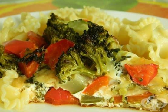 Зеленчуци със сметаново-яйчена заливка на фурна - изображение