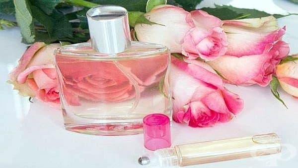 Спрете сълзенето на очите с розова вода и мед - изображение