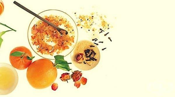 Ексфолирайте кожата на лицето си със, захар, карамфил, рози, портокал и сусамово масло - изображение