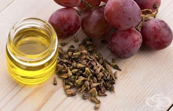 Направете си ексфолиант за суха кожа с масло от гроздови семки и кафява захар - изображение