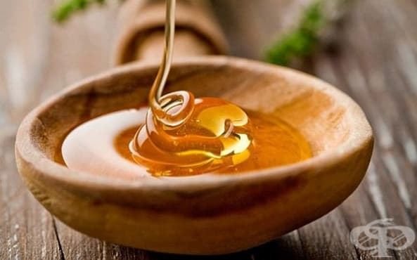 Премахнете акнето с маска от чесън, куркума и мед - изображение