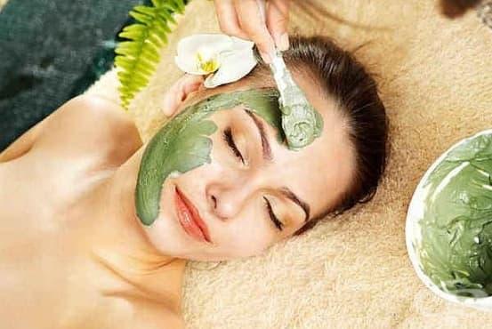 Направете си подмладяваща маска за лице от броколи и розова вода - изображение