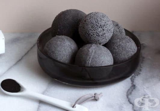Пригответе си детоксикиращи бомбички за вана с активен въглен - изображение