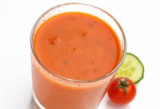 Пригответе си детоксикиращо смути от праз, домат и краставица - изображение