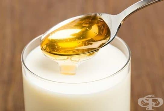 Направете си маска от оризово мляко и мед срещу суха и изтощена коса - изображение