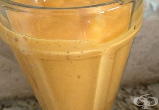 Заредете се с енергия с вкусна напитка от райски ябълки, банан и кокос   - изображение
