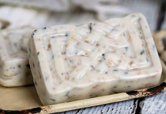 Пригответе си ексфолиращ сапун от лавандула и овесени ядки  - изображение