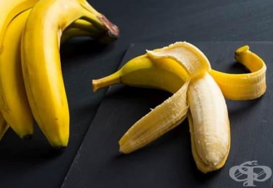 Възстановете сухата кожа с маска от алое и банан - изображение