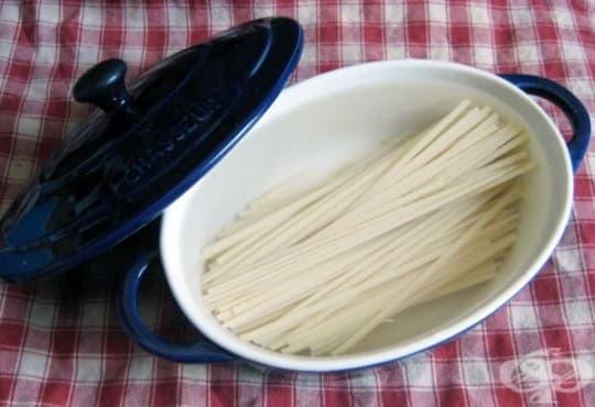 Ако искате по-бързо да сварите пастата, накиснете я в студена вода - изображение