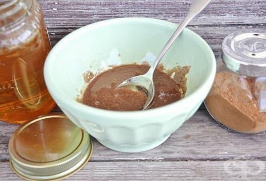 Заличете несъвършенствата по кожата с маска от мед, канела и индийско орехче - изображение